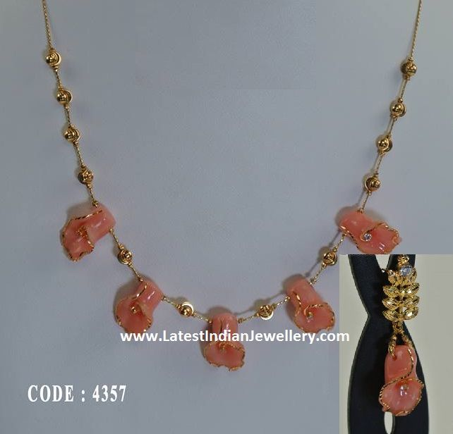 Coral Tulips Gold Necklace