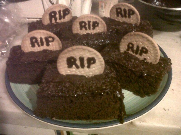Rip halloween cake