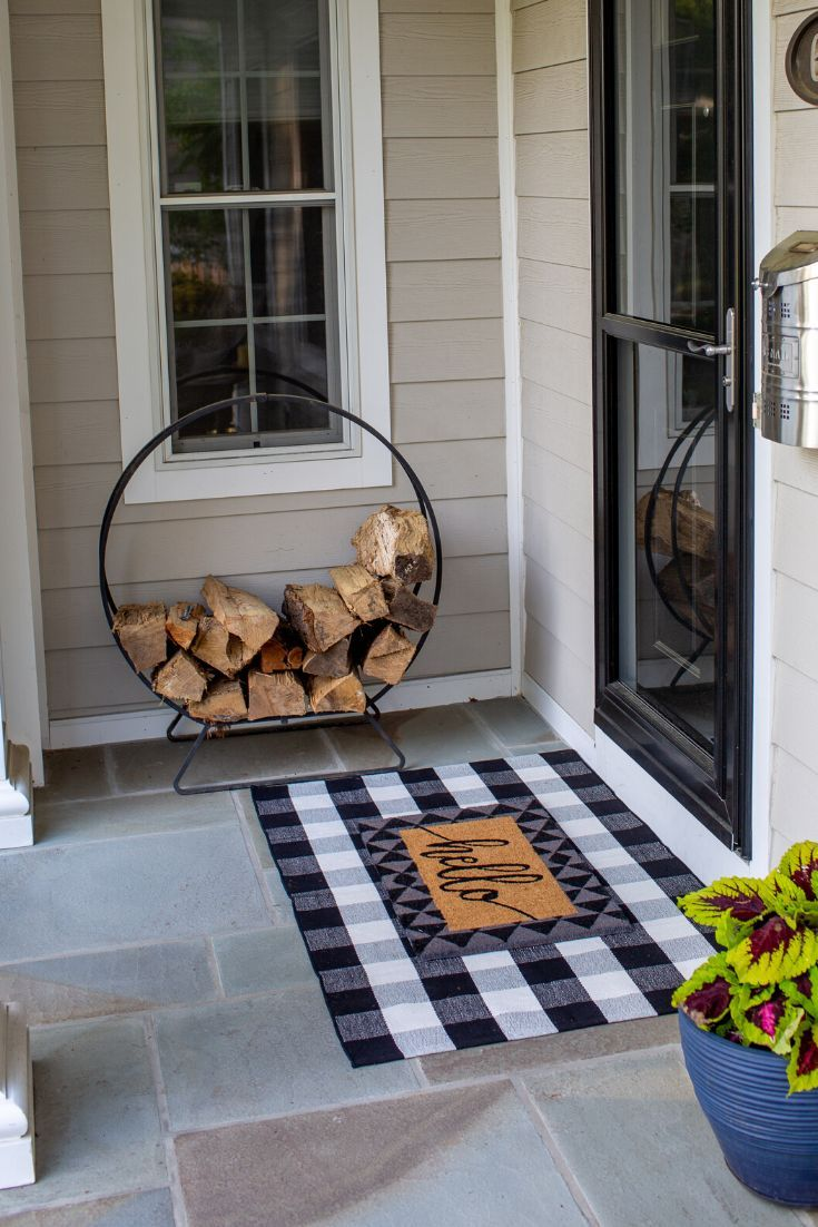 Black And White Buffalo Outdoor Rugs Perfect For Layered Doormats In 2020 Rustic Porch Porch Rug Entryway Inspiration