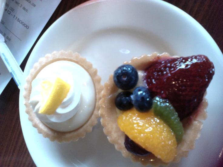 La Madeline desserts. nommm