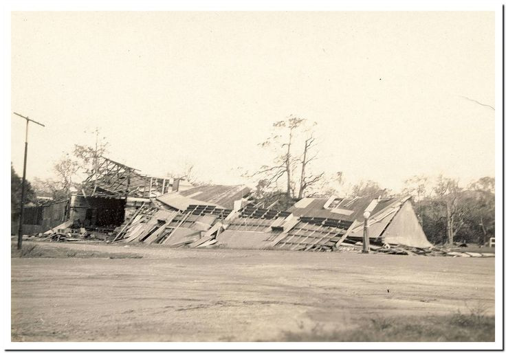1949 Cooktown Cyclone: Dur's Store.