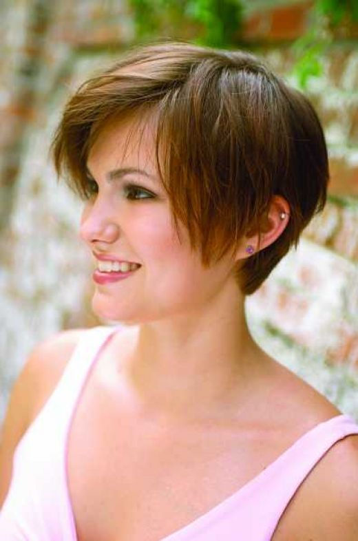 short hairstyles for women over 50 gray hair | simple home made razor cut short hair style picture