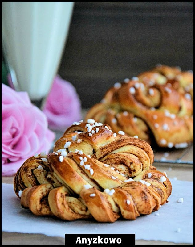 These cinnamon buns are gorgeous!  The instructions are originally in Polish, but I'd love to try them and maybe clean up the translation to post on my own site (which credit, of course).