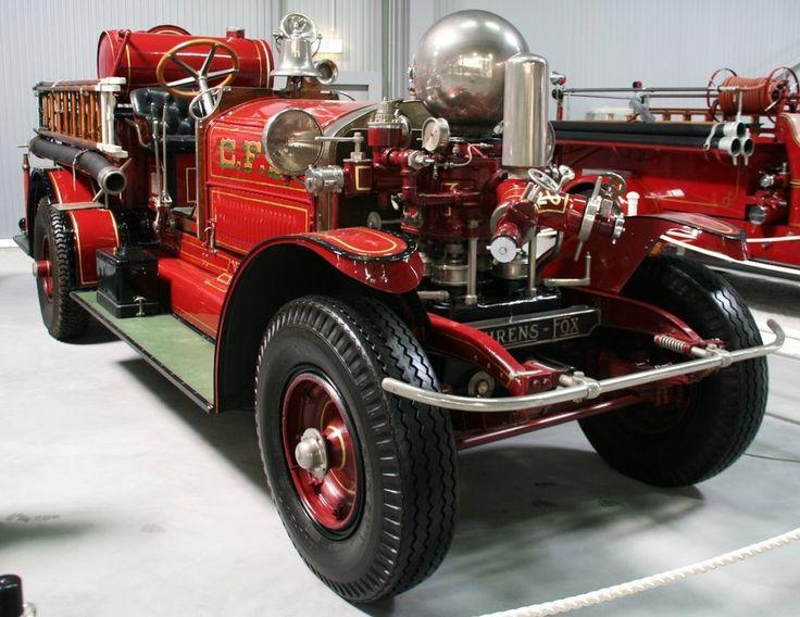 A Ahrens-Fox Mk.4 fire engine