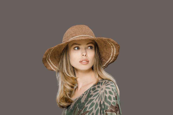 Entdecken Sie unsere Kollektion für das Frühjahr und den Sommer 2016. Mit Hüten, Mützen, Schals und anderen Accessoires!