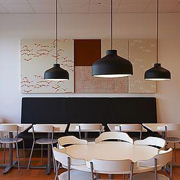 Acoustic Design Solution: 120 stk. vægpaneler, design Aquatic Duck, Leaves og Checks i forskellige farver.