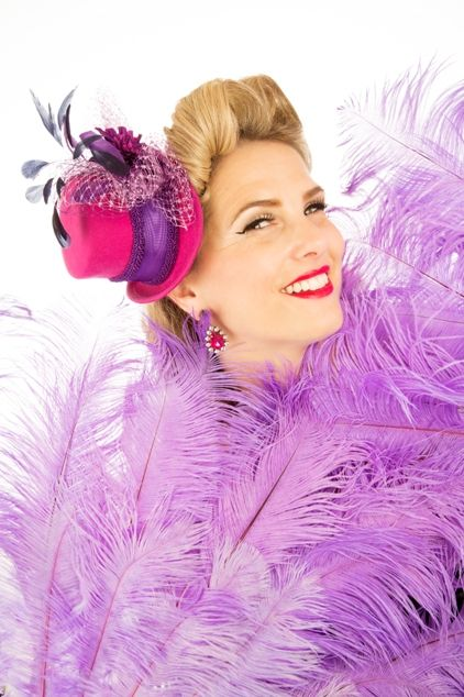 Our dazzling Awards Entertainer - Dawn Gracie! http://www.whatson4me.co.uk/awards.asp