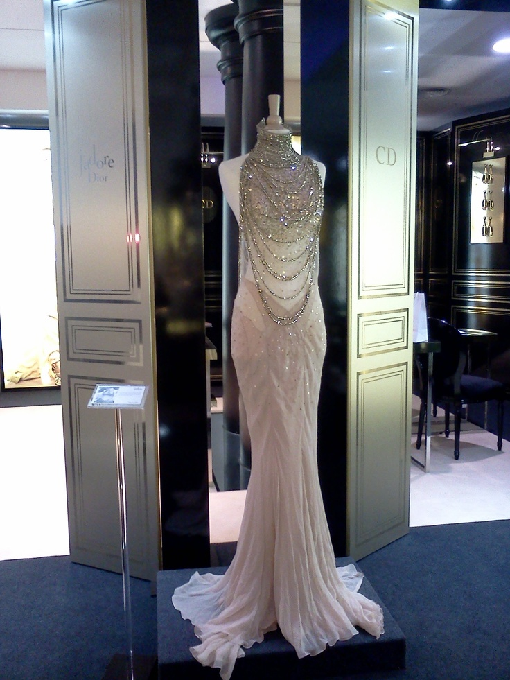 Charlize Theron's dress from the J'adore Dior commercial... want! Apparently it is on display at a Sephora in Barcelona... I may have to steal it.