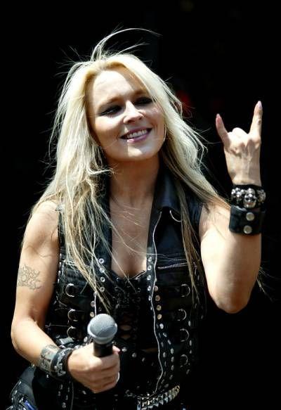 women of heavy metal | Heavy Metal Visual                                                                                                                                                                                 Mais