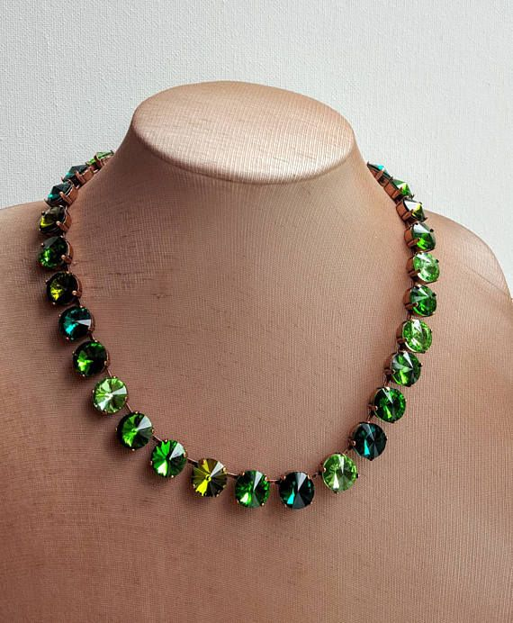 Check out this item in my Etsy shop https://www.etsy.com/ca/listing/523250254/green-crystal-collet-necklaceemerald