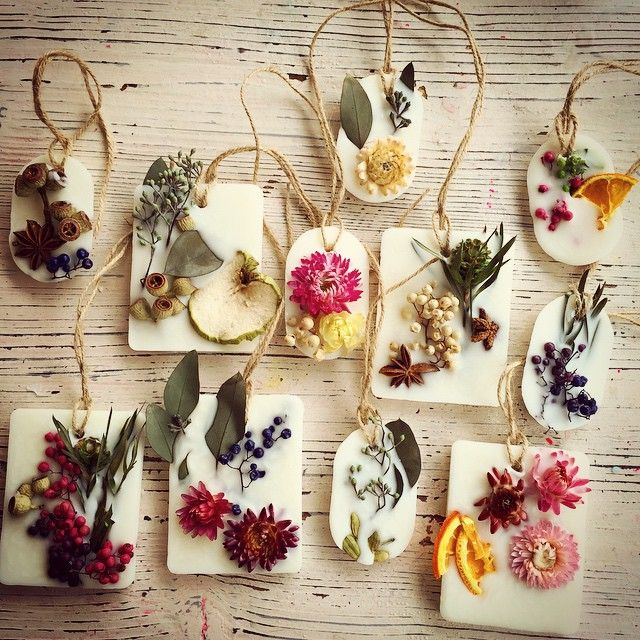 アロマワックスバー作りました 何度作っても飽きない楽しい♡ ドライパーツはウェブショップで販売してます↓ http://www.kinarishop.com/ #candle #キャンドル #wedding #ウェディング #ブライダル #gift #プチギフト #kinari #キナリ #botanical #ボタニカル #flower #花 #大須 #名古屋 #アロマキャンドル #キャンドル材料 #キャンドル演出 #decoration #デコレーション #candleshop #キャンドルショップ #step #にんにくキャンドル #ひつじキャンドル #pop #artist #アロマワックスバー #ワークショップ #ノベルティ candle shop kinari 愛知県名古屋市中区大須2-1-32 12時〜20時 火曜定休 ⚫︎ハンドメイドキャンドル ⚫︎キャンドル材料 ⚫︎キャンドルワークショップ 『キャンドル キナリ』で検索
