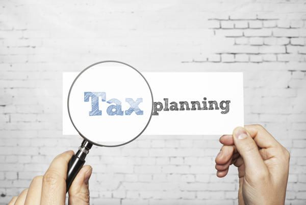 There's still time to reduce your 2014 tax bill by hundreds or perhaps more than a thousand dollars, if you're willing to tuck some cash away in an individual retirement account . Here's how you can significantly ...