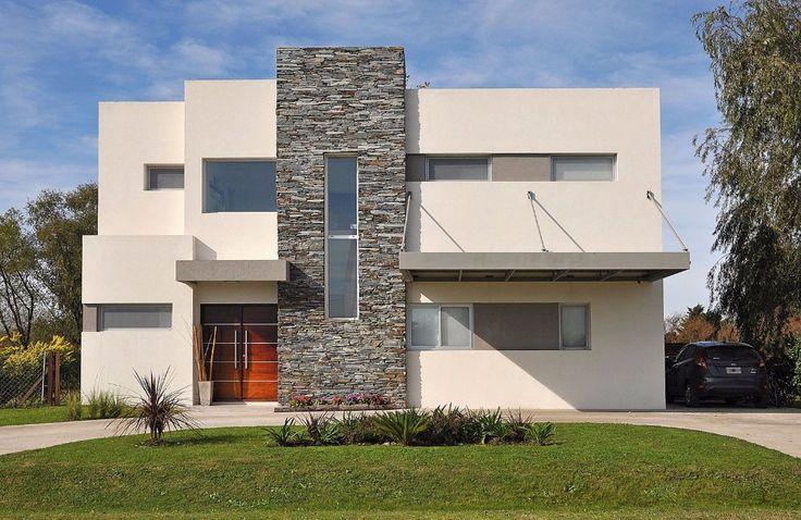 Por Arquinova Casas - Fredi Llosa. Podés ver más de esta #obra y este #estudio googleando: c-0014-2-2-032. #arquitectosargentinos #design #arquitectura #buildings #casas #architecture #arquitectos #homes #diseño #houses