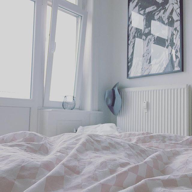 Goooood Morning ️ mit Urlaub lässt sich der Montag doch etwas angenehmer starten und da draußen wird es auch langsam wieder etwas heller nach dem ganzen Regen  Trotzdem steht heute noch so einiges an,daher gibt es jetzt noch einen Kaffee im Bett und dann geht's los.Schönen Wochenstart  #decoration #design #finahem #goodmorning #gutenmorgen #Hamburg #home #homedecor #homedetails #homeinspo #homeinterior4you #homestyling #inspohome #instadesign #instainspo #interior #interior123...