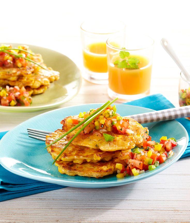 Mais-Pfannkuchen mit Tomaten-Paprika-Dip #hochland #käse #ofenaufstrich #rezept #recipe #delicious #dinner #vegetarisch #pfannkuchen #mais #corn