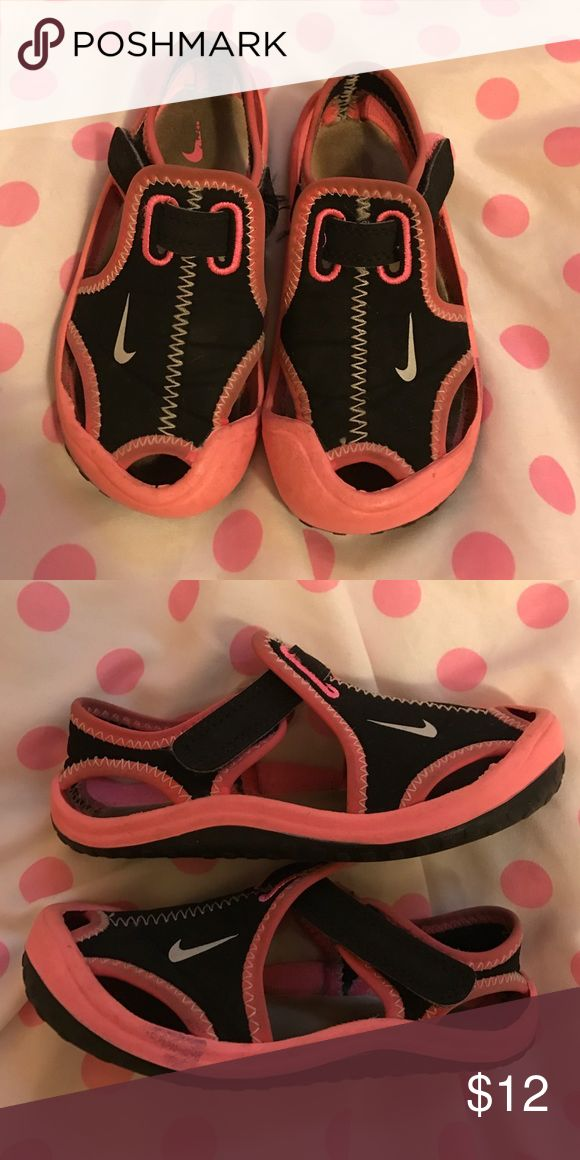 Nike Water/Sport Shoes Worn, but lots of life left! Work great as water shoes for water parks! Nike Shoes Water Shoes
