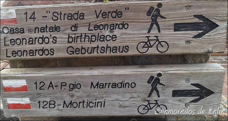 """Strada verde"" per Casa Natale Leonardo, Vinci Signs for Leonardo's birthplace, Vinci"