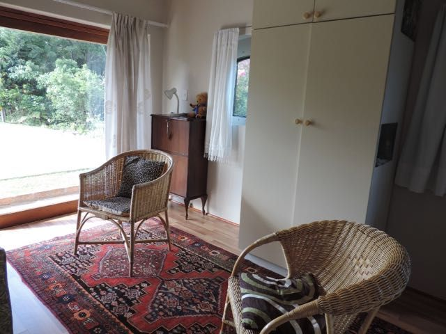 Sunbirds Nest - Self-Catering garden flat for 2 IN Durbanville Hills on the outskirts of Cape Town. Rates from R600 per night! #where2stay