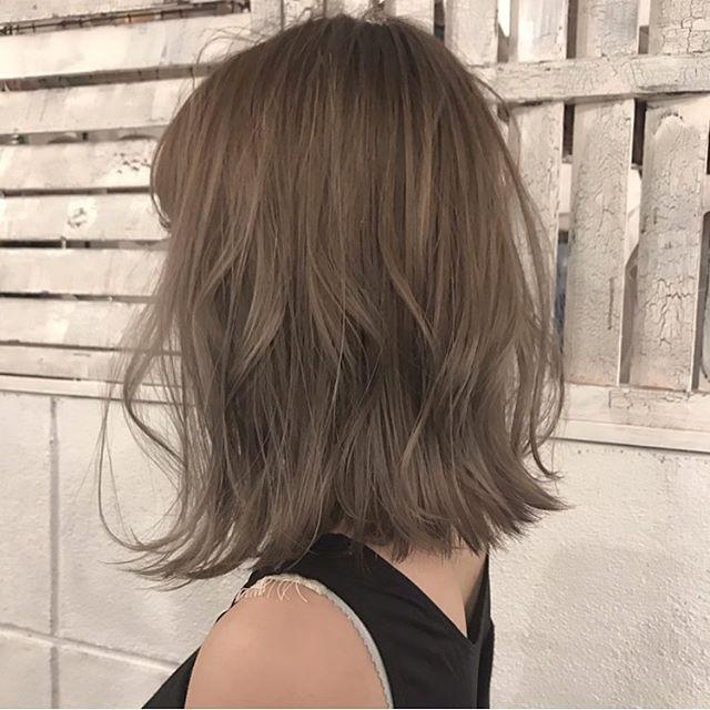 2018秋冬のヘアカラーのトレンドは 人気7色 長さ別ヘアスタイル実例画像も 髪 色 髪色 ミルクティー ヘアカラー