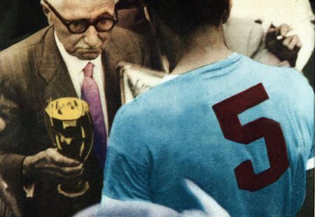 """""""Only three people have ever silenced 200,000 people at the Maracanã with a single gesture: Frank Sinatra, Pope John Paul II and I"""" .     Alcides Ghiggia, in Brasil - World Cup 1950"""