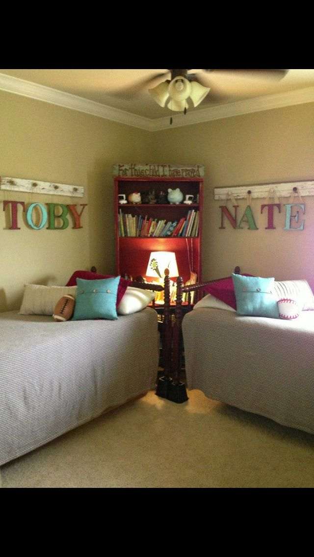 Best 25 corner beds ideas on pinterest diy small - Best beds for small rooms ...
