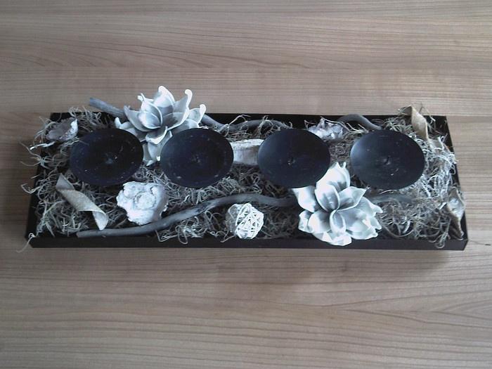 kaarsenplateau met foambloemen, tillantia en sloophout