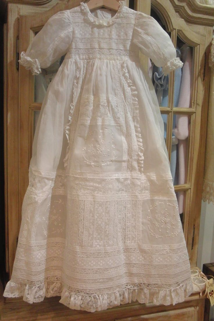 I AM JUST GUESSING EDWARDIAN PERIOD, THIS IS A WONDERFUL BABY CHRISTENING GOWN