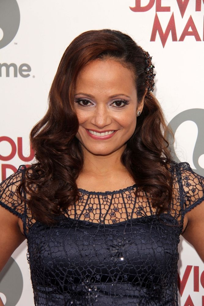 judy reyes has joined tnt 39 s new nail salon pilot claws what do you think would you watch tv. Black Bedroom Furniture Sets. Home Design Ideas