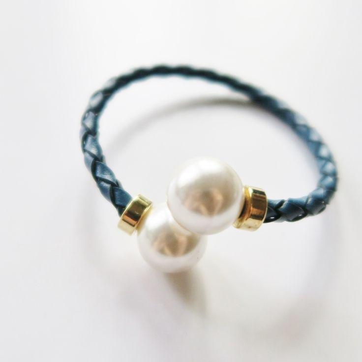 Blue twisted pearl bangle on TROVEA.COM