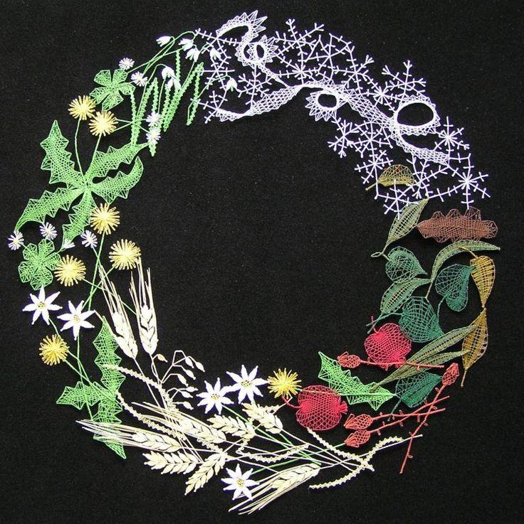 No pattern link, just picture.  4 seasons bobbin lace wreath.  Roční období - věnec (prům. 42 cm)