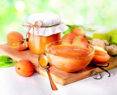 Pikantní meruňkový džem s vanilkou a zázvorem