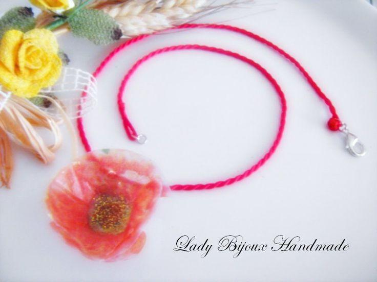 Collana in seta rossa con ciondolo fiore papavero arancione fatto in sospeso trasparente, by Lady Bijoux Handmade, 10,00 € su misshobby.com