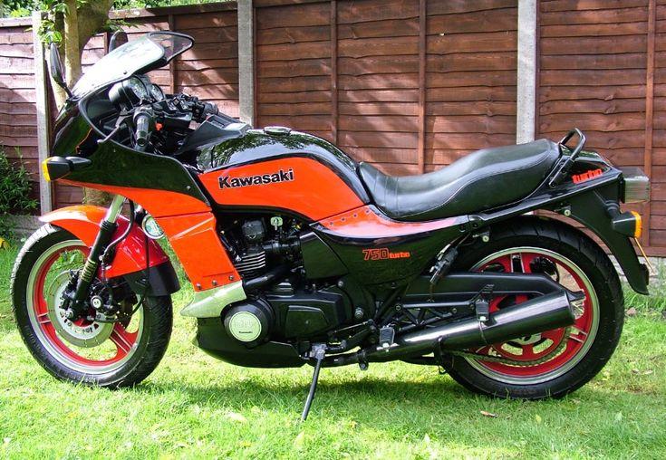Kawasaki GPZ900