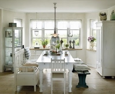 benches: Dining Rooms, Beauty Tips, Kitchens Benches, Benches Idea, Kitchens Tables, Dining Spaces, Healthy Strawberries Shortcake, White House, White Kitchens