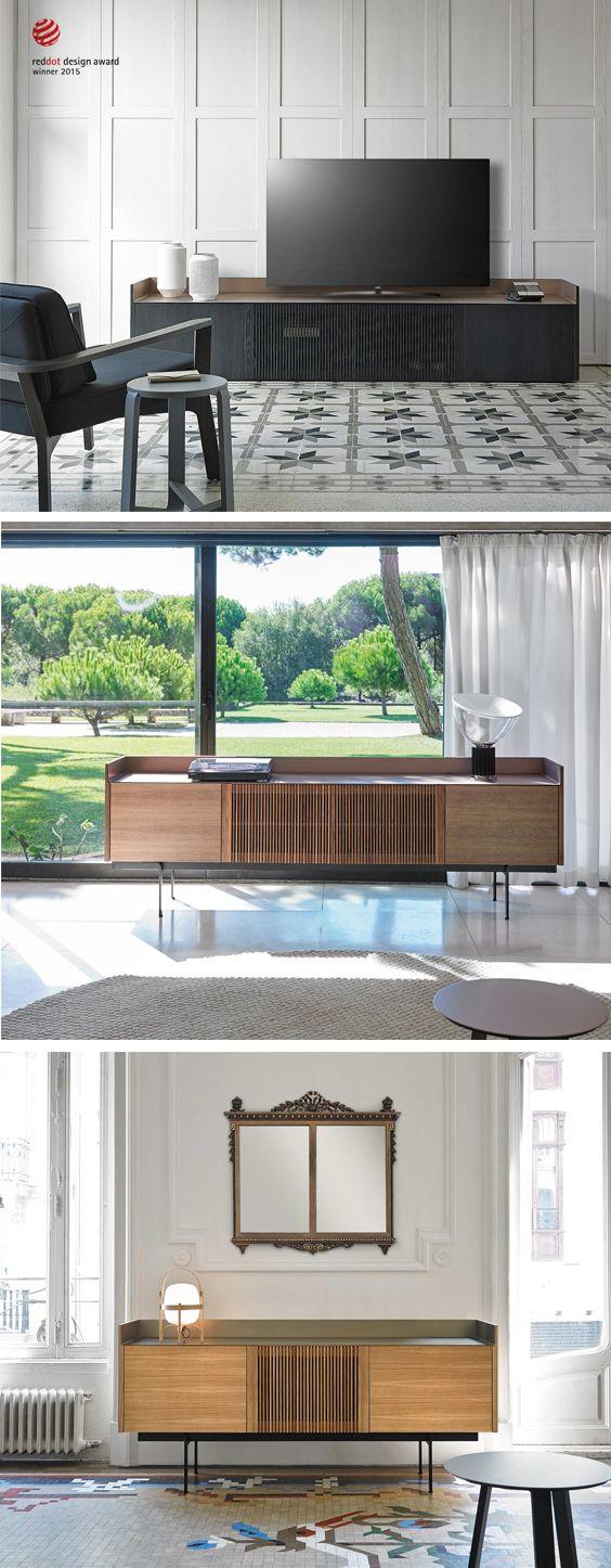 Das Lowboard Stockholm verfügt über zwei Infrarot durchlässige Lamellen Türen, hinter denen elektronische Geräte bedient werden können. Für einen optimalen Wärmeaustausch und einem optischen Lichtspiel sorgen die Lamellen ebenfalls. #Lowboard #Sideboard #Wohnzimmer #Wohnbereich #livingroom #Design #Möbel #Wohntrend #Wohnstil #home #einrichten #wohnen #Inneneinrichtung #interiordesign #interiordecoration #modern #zeitlos #minimalistisch #minimalism #Livarea