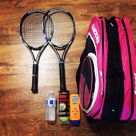 We thank another cool #bagchecker for sharing her #tennisgear! @amiami232324 , you rock! #bagcheckthursday #etennisleaguenation #etennisleague #tennisequipment #tennisracket #tennisbag #tennisballs #penn #bottledwater #sunscream #babolat