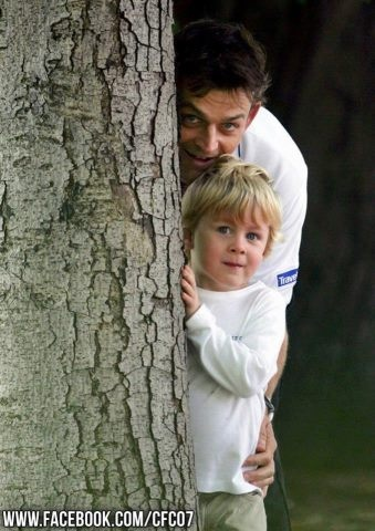 Adam Gilchrist with his Son.!!