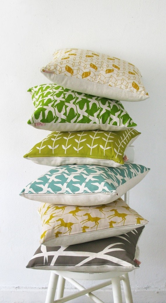 So many pretty pillows in this Etsy shop, I can't decide which ones I like best.