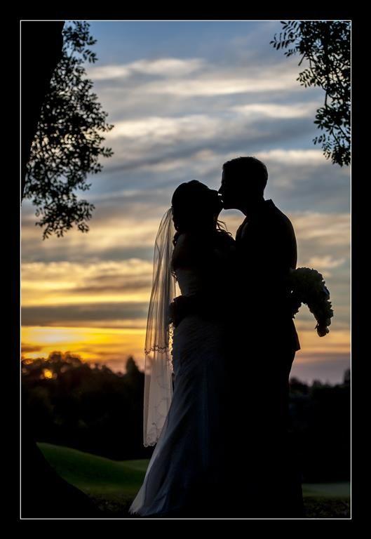 Candid Photos of a Lifetime - Beautiful couple... beautiful sunset  - Duntry Leagues Golf Club Orange  www.candidphotosofalifetime.com.au