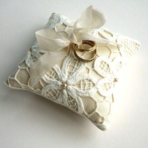 cuscino portafedi - bridal ring pillow