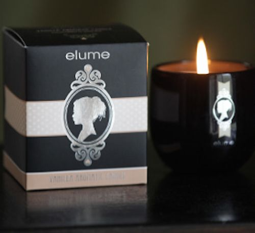 Elume Silhouettes – Vanilla scented candle. The classic scent of vanilla takes on a sophisticated twist here in this Elume Silhouette candle. Combining warm and rich vanilla notes overlayed with a delightfully sweet honey tone, this exquisite scent is perfect for relaxing and unwinding at the end of a busy day.    With their silver-foiled silhouettes and sophisticated black block these elegant and contemporary jar candles add a stylish touch of luxury to any interior.