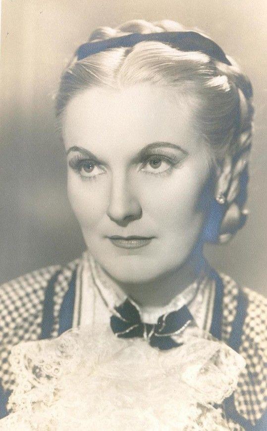 Jiřina Štěpničková -V Čápově melodramatu Tanečnice (1943)