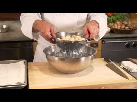 Cleaning & Preparing Fresh Mushrooms: Your Questions Answered with Chef Bill and Bart - YouTube