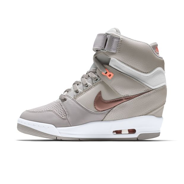 Nike Air Revolution Sky Hi Women's Shoe | NIKESTORE.COM.HK