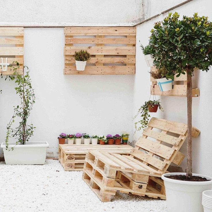 Building a pallet sofa – The most beautiful DIY examples