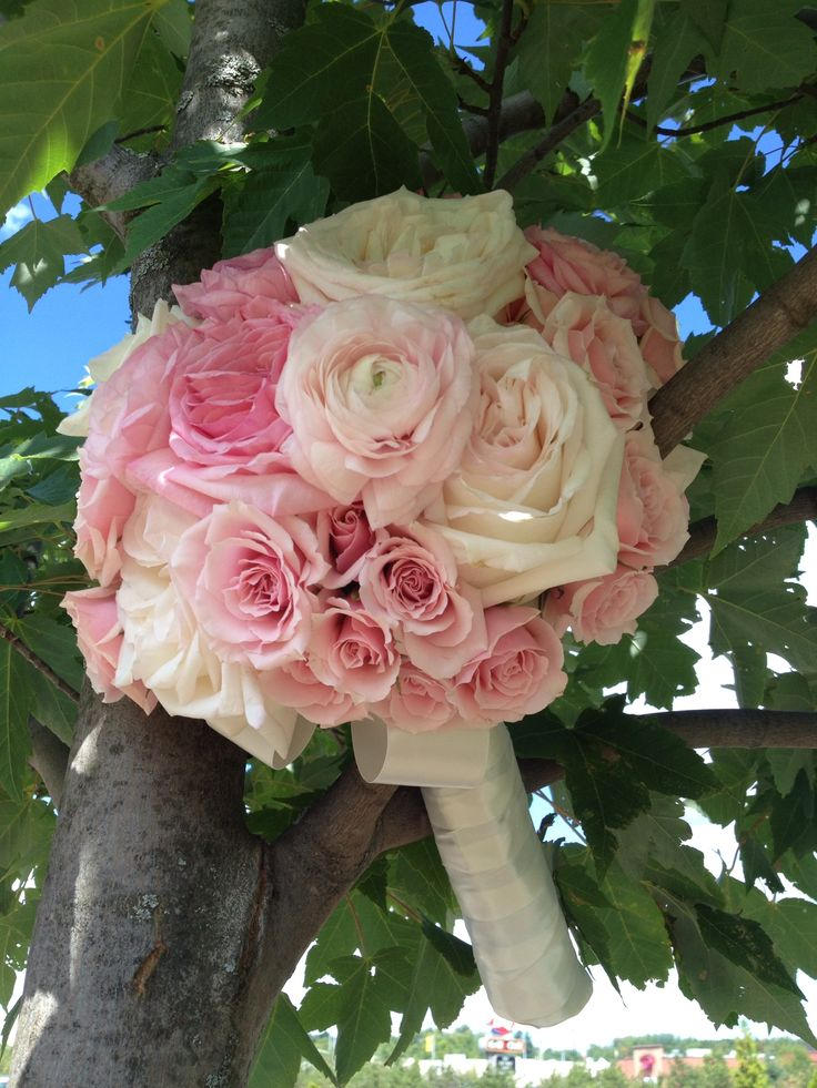 Roses In Garden: 17 Best Images About Wedding Bouquets On Pinterest