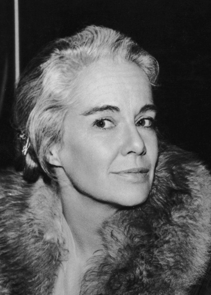 Jocelyn BRANDO (1919-2005) [] Active 1942–83 > Born 18 Nov 1919 California > Died 27 Nov 2005 (aged 86) California > Spouses: Don Hanmer (?–? div); Eliot Asinof (1950–1955 div) > Children: 2 > Relatives: Marlon Brando (younger brother). In later life she ran her own bookstore, The Book Bin, in Santa Monica. She wrote poetry and conducted workshops at her home in the Intensive Journal method, a self-therapy technique developed by Ira Progoff.
