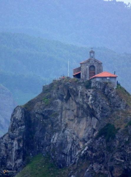 Гастелугаче – #Испания #Страна_Басков (#ES_PV) Сан Хуан де Гастелугаче - одно из красивейших мест на побережье Страны Басков (Испания).  ↳ http://ru.esosedi.org/ES/PV/1000065707/gastelugache/