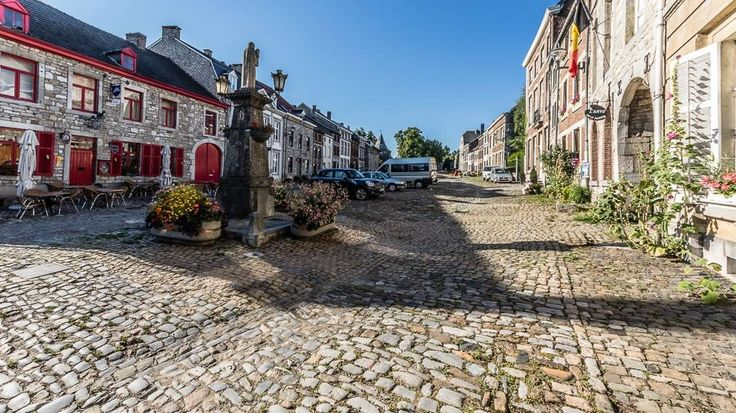 """Ils sont à présent 28 à faire partie des """"plus beaux villages de Wallonie"""". Les quatre nouveaux arrivants viennent tout juste d'obtenir le label. Il s'agit de Limbourg, en Province de Liège, Chassepierre (Florenville) et Mirwart (Saint-Hubert), tous deux..."""