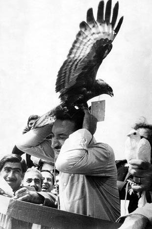 Bülent Ecevit'in 1960'larda Trabzon gezisinden bir fotoğraf...